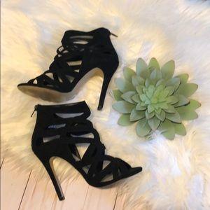 Aldo cut out black heels size 7